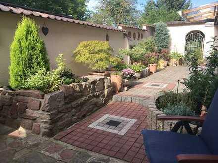 4-Zimmer WHG 109 m² in einem denkmalges. Bauernhaus - Grundstück mit großer Terrasse.