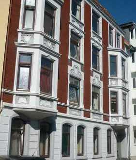 schöne Altbau-Wohnung in ruhiger Seitenstraße, *citynah* 3 ZKB und Balkon