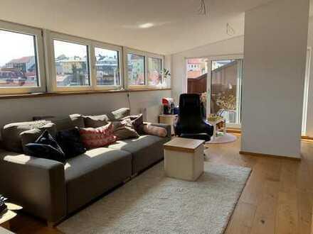 Neuwertige 4-Zimmer-Penthouse-Wohnung mit Terrassen und EBK zw Traun und Altstadt