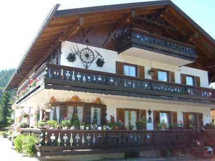 Garmisch-Partenkirchen (Kreis), Klais 1 1/2 Zimmer - Dachgeschoßwohnung