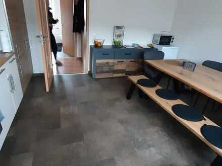 Modernisierte 2-Zimmer-Wohnung mit großem Balkon und EBK in Kröv