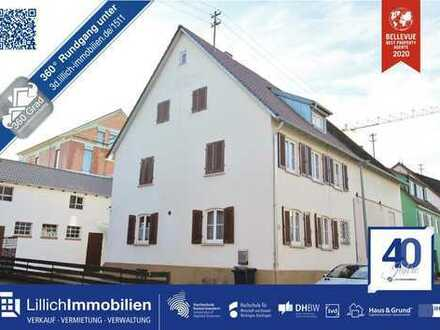 Hofanwesen mit Potential - Einfamilienhaus mit Scheune und Stall und Patio - ohne Käuferprovision