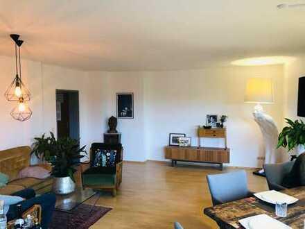Exklusive, modernisierte 3-Zimmer-Wohnung mit Balkon und EBK in Günzburg voll Ausgestattet