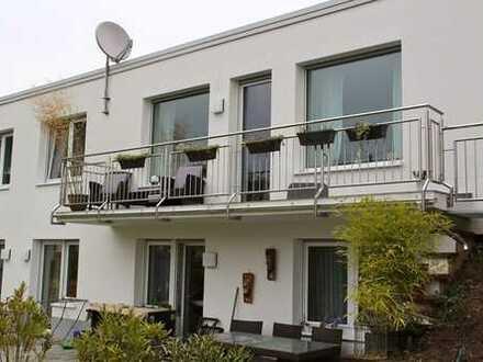 Bungalow in Bensheim mit Garten und Garage