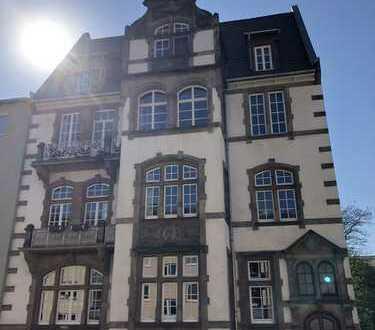 Erstbezug nach Sanierung: attraktive 4-Zimmer-Hochparterre-Wohnung mit Balkon in Kassel