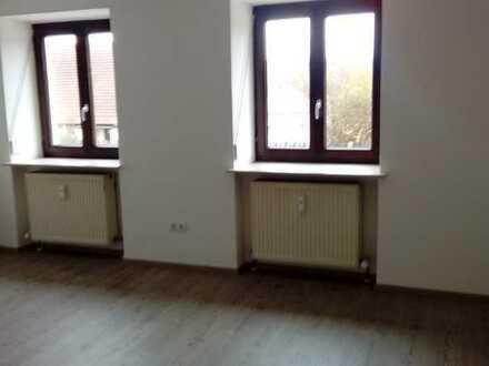 Schön renoviertes Haus mit Balkon und Hofraum