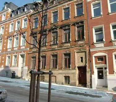Mehrfamilienhaus unweit des Hauptbahnhofs. Sanierungsgebiet.