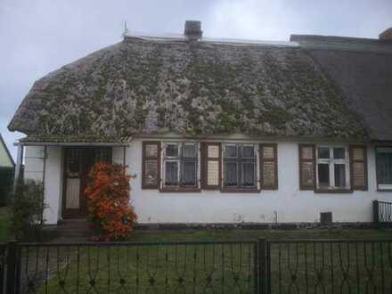 Kleines Bauernhaus auf schönem Grundstück !!!