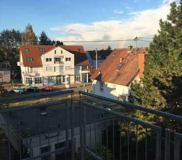 Freundliche 4-Zimmer-DG-Wohnung mit Balkon in Ludwigshafen am Rhein