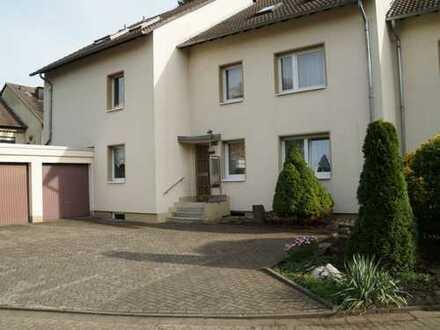 Schöne, helle drei Zimmer Wohnung in ruhiger Lage in Dormagen-Delrath