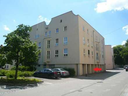 +++ Duplex-Garage mitten im Zentrum (roter Turm) +++