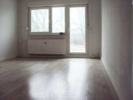 schön saniertes und sehr günstiges 1-Zimmerapartment mit Balkon