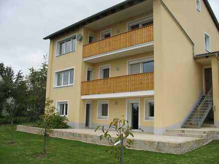 3-Zimmer-Wohnung mit Balkon und EBK in Pressath