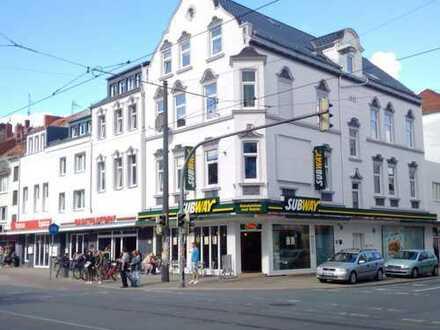 Schöne Dachgeschosswohnung in der Neustadt mit Einbauküche