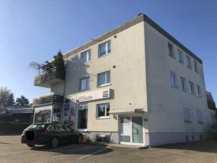 Gepflegte 5-Raum-Wohnung mit Balkon und Einbauküche in Pforzheim