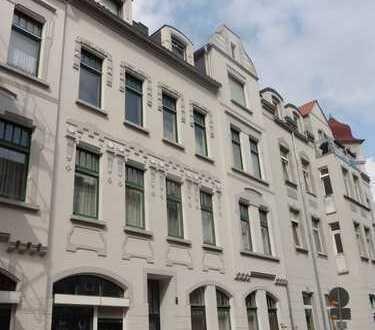 MGK bietet: Döhren, 3-Zimmerwohnung mit Balkon in denkmalgeschütztem Gründerzeithaus