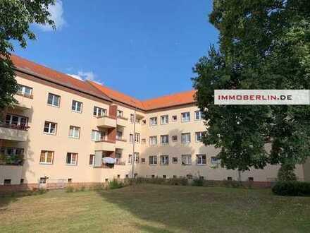 IMMOBERLIN: Topzustand! Attraktive Wohnung mit PKW-Stellplatz in gefragter Lage