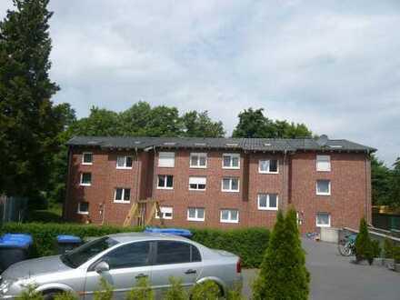 Preiswerte, gepflegte 3-Zimmer-DG-Wohnung mit Balkon in Schloß Holte-Stukenbrock