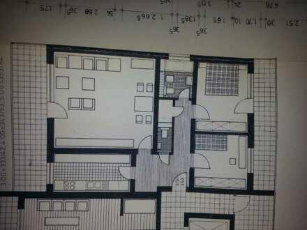 Schöne, geräumige drei Zimmer Wohnung in Main-Taunus-Kreis, Kelkheim (Taunus)