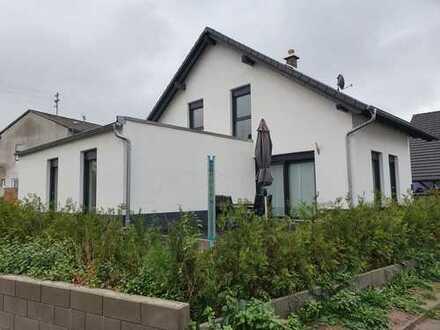 Schönes, geräumiges Haus mit sechs Zimmern in Kaiserslautern (Kreis), Sembach