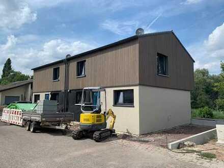 Nur noch eine Hälfte FREI....Neubau Doppelhaushälfte