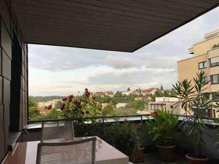 4-Zimmer-Dachgeschosswohnung mit Balkon und Einbauküche in Stuttgart