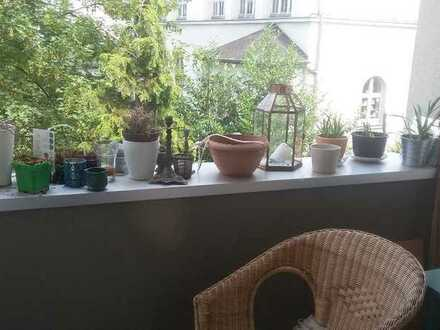 Nette Mitbewohnerin gesucht in einer schönen und hellen 110qm Altbau-Wohnung in Essen Frohnhausen Ba