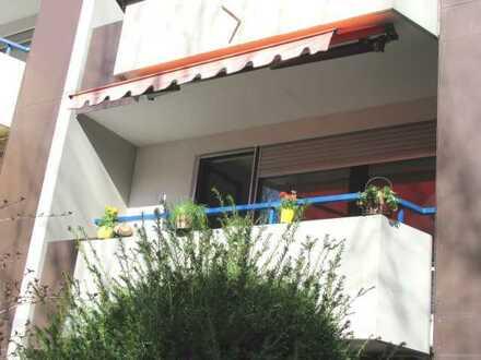 Gute-Laune-Wohnung mit grünem Ausblick und Lift / 3,5-ZKB, sep. WC, Loggia, Balkon, TG-Box / 1. OG