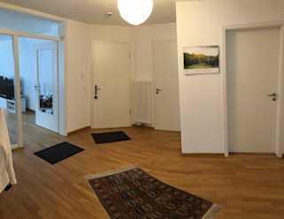 Neuwertige 4-Raum-Wohnung in Bestlage