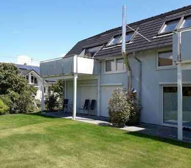 Neuwertige 2-Zimmer-Dachgeschosswohnung mit Balkon in Hagenbach