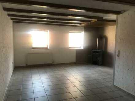 Schöne, geräumige drei Zimmer Wohnung in Rhön-Grabfeld (Kreis), Bad Königshofen im Grabfeld