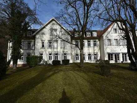 Altbaucharme trifft moderne Bürofläche mit Neckarblick