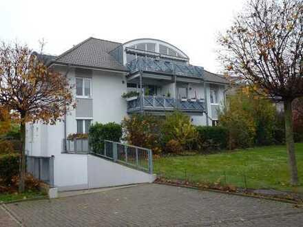 3-Zimmer 1. Obergeschoss Kehl-Sundheim 1a Lage mit großen Balkon und Tiefgarage.