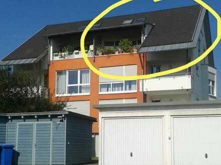 Gepflegte 3-Zimmer-Maisonette-Wohnung mit Balkon und Einbauküche in Langenau