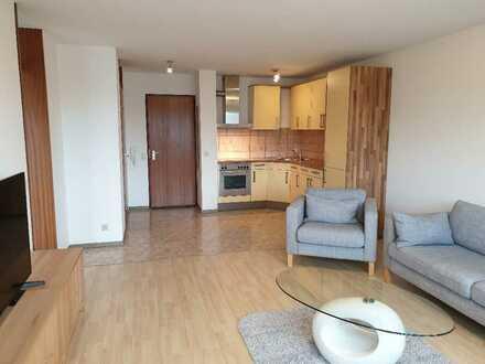 Möblierte 2-Zimmer-Wohnung mit Balkon, Einbauküche, Waschmaschine und Pkw-Stellplatz, nähe Porsche