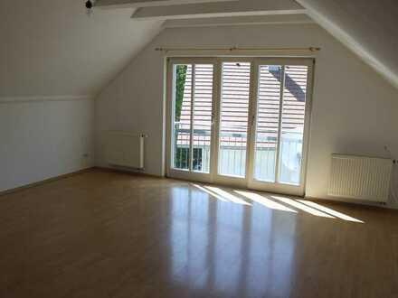 Gepflegte, freundl. 2-Zimmer-Wohnung mit Einbauküche in Ansbach-Eyb