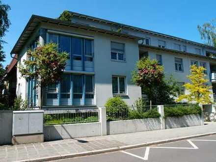 2-Zimmer-Wohnung im 1. Stock mit Südbalkon in gepflegtem Anwesen
