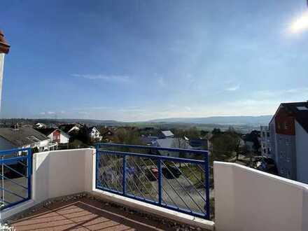 Traumhaft Wohnen - 2,5 Zimmer Dachgeschoss-Maisonette,  über den Dächern von Idstein!