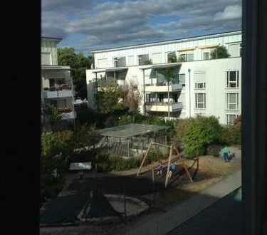 Schöne 4,5-Zimmer-Maisonette-Wohnung mit Balkon in ruhiger Lage, direkt am Mercedes-Werk