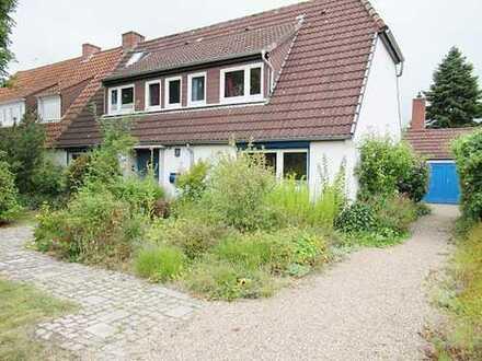 Begehrte Wohnlage in Bremen - Grolland … Wohntraum mit Flair ….großz. DHH mit schönen Naturgarten