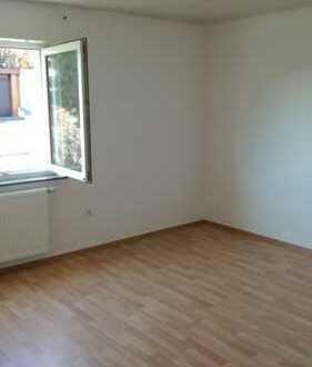4-Zimmer-Wohnung mit Balkon und EBK in Erbach