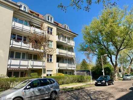 Toplage Karlshorst - Komfortable Familienwohnung! Barrierefreies Wohnen mit Terrasse und Parkplatz!