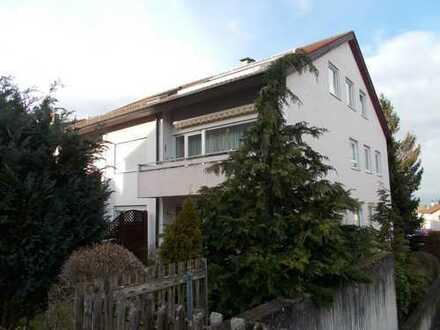 Sehr Gute, ruhige Lage mit Balkon, 2 Zi-Wohnung mit großem bewohnbarem Hobbyraum in Gerlingen!