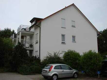Schöne 3 ZKB Dachgeschosswohnung mit Balkon und Stellplatz, Verkauf von privat