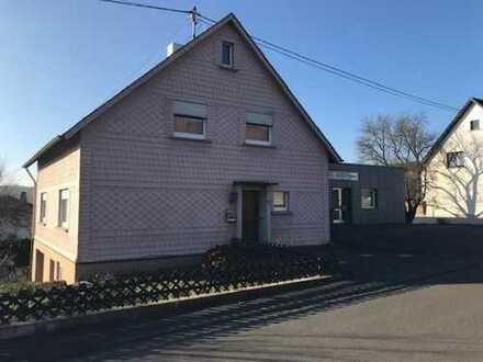 Zwangsversteigerung! Ein- bis Zweifamilienhaus mit ausgebautem Dachgeschoss