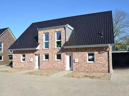 Erstklassige Neubau- Doppelhaushälfte mit Carport und Einbauküche in Bad Zwischenahn/ zentrumsnah