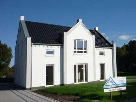 Satteldacharchitektur mit viel Raum zum Leben!