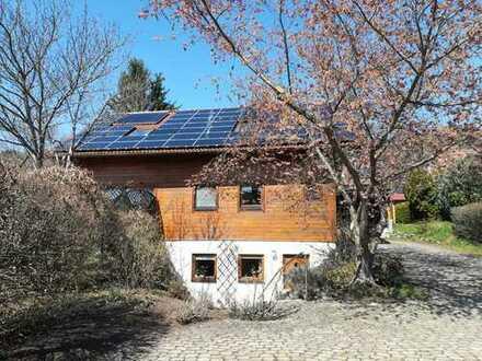 Vollständig renovierte 2,5-Zimmer-Souterrain-Wohnung mit Terrasse und EBK in Rottweil (Kreis)