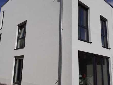 Neubau im Bauhausstil mit sechs Zimmern in Münster, Roxel
