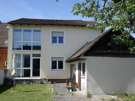 Ein-/Zweifamilienhaus in Donaustauf
